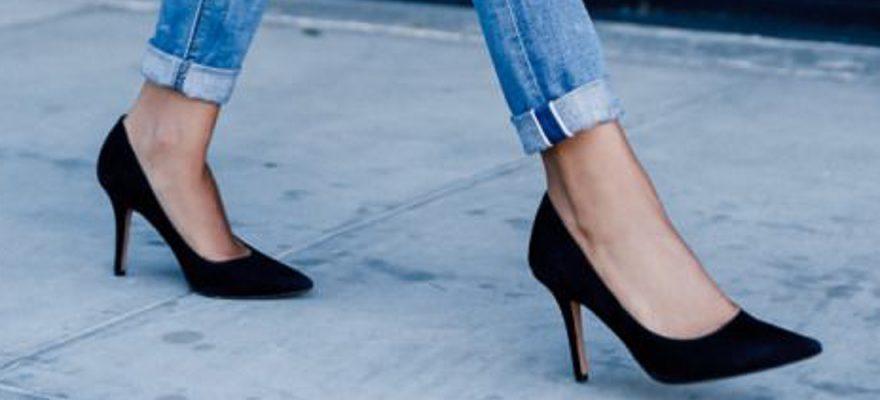 Pantofi stiletto negri din piele întoarsă