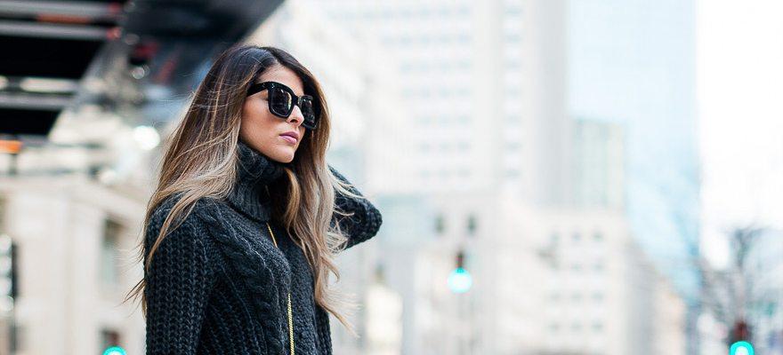 Puloverul pe gât – vezi 10 modele din magazinele online