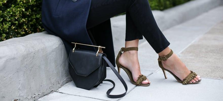 Sandale cu toc înalt și baretă pe gleznă